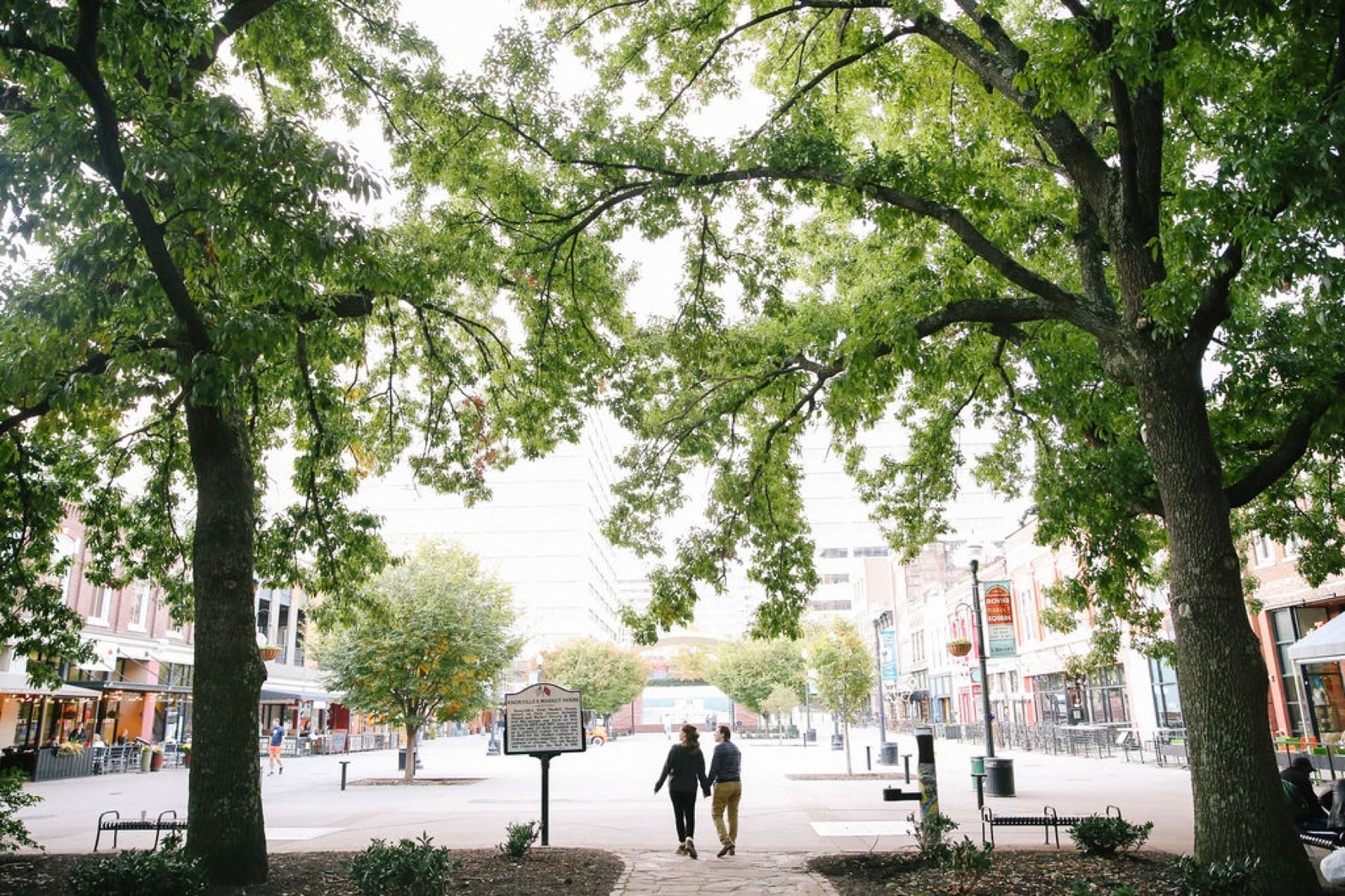 Market Square Knoxville engagement session